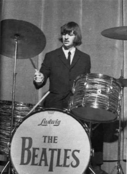 Ringo-Starr-the-beatles-7756124-467-639